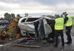 Wystrzeliła opona w mitsubushi i doszło do groźnego wypadku na A1-23742