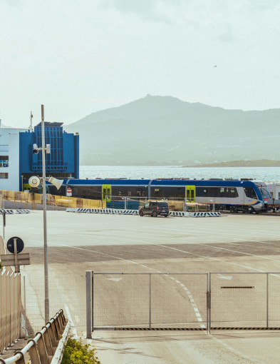 Pociągi z Pesy popłynęły na Sardynię-23778