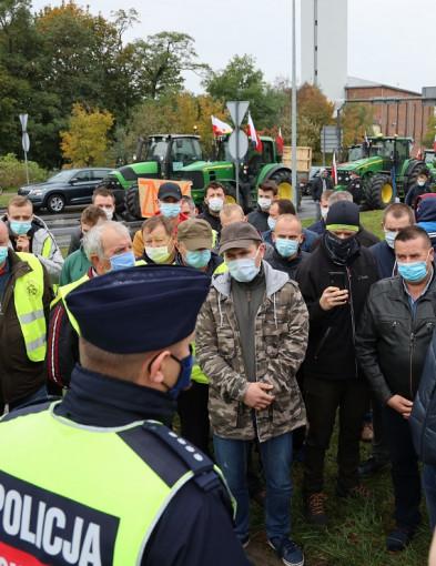 """Protest rolników przeciw """"Piątce dla zwierząt"""". Blokada ulicy Nad Torem-23869"""