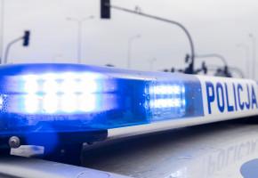 Trwa pościg za kierowcą golfa. Potrącił policjantkę i uciekł...-23902