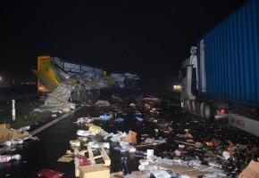 Groźne zderzenie dwóch ciężarówek na A1-24013