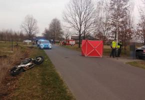 Motocyklista zginął potrącony przez kierowcę skody, która nagle skręciła w lewo-25361