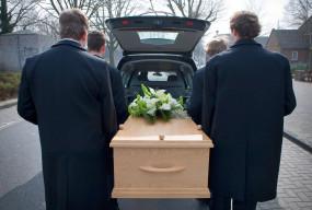 Ważne zmiany w zasiłkach pogrzebowych. Oni też go dostaną?-25924