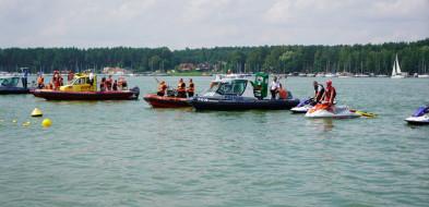 Pokaz ratownictwa wodnego podczas otwarcia plaży w Pieczyskach-26281