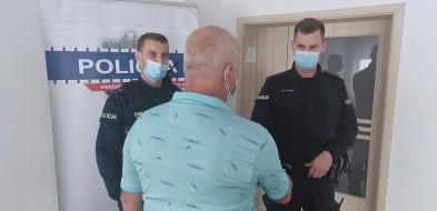 Policjant z Tucholi rzucił się na ratunek tonącemu w jeziorze wędkarzowi-26688