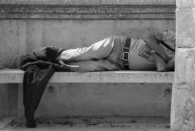 ŻYCIE W UKRYCIU (Galeria Autorska  proponuje) – odsłona 75-26729