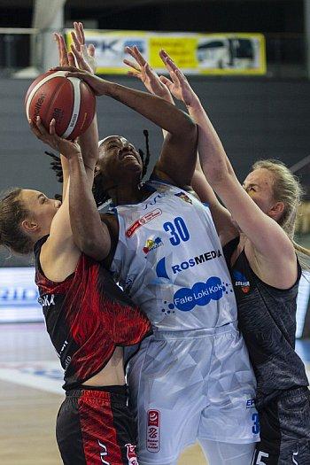 Derby dla Bydgoszczy. Basket 25 ograł Energę-8714