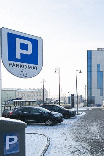 Płatny parking powstał przy Dworcu Głównym-8795