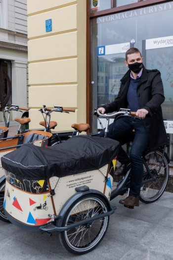 W przestrzeń miasta wjeżdżają rowery cargo...-8860