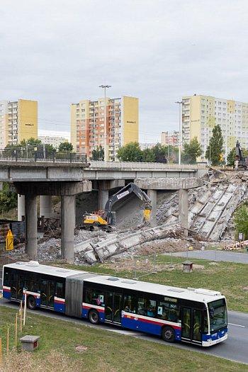 Trwa rozbiórka wiaduktu w ciągu Wojska Polskiego-9081